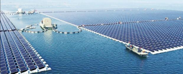 Крупнейшая в мире плавучая электростанция в городе Хуайнань