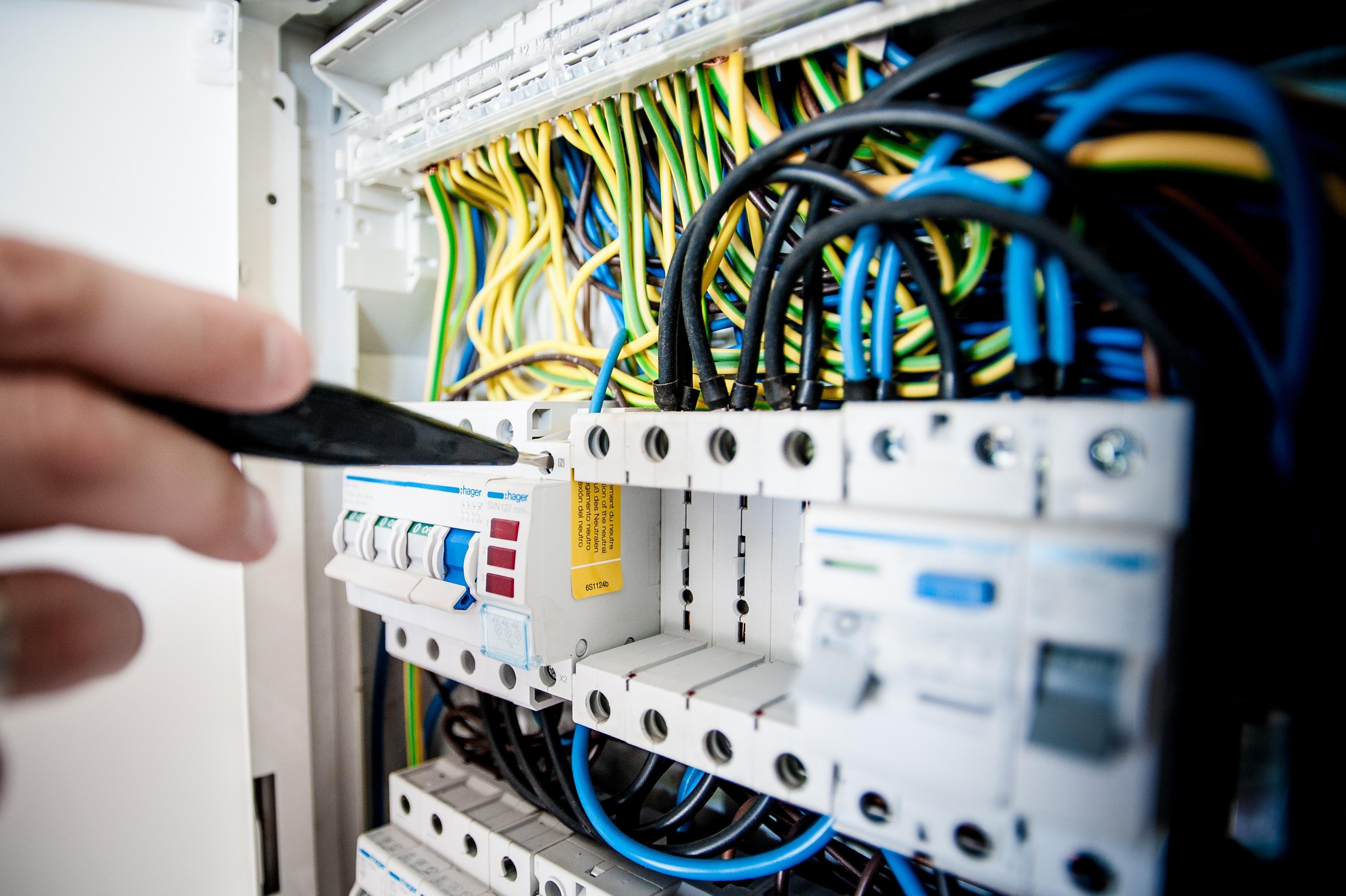 Пусконаладочные работы, проверка электропроводки, ООО Система, Киев